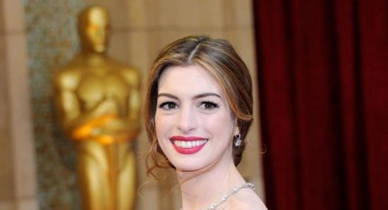 Anne Hathaway is close friends with Valentino