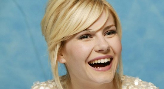 Elisha Cuthbert in a press conference for 'The Girl Next Door'