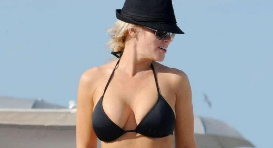 Jenny McCarthy spending some time at the beach