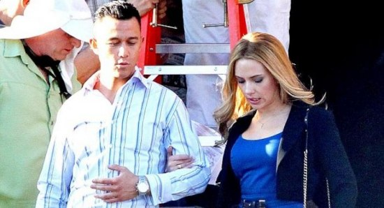 Joseph Gordon-Levitt and Scarlett Johansson on movie set
