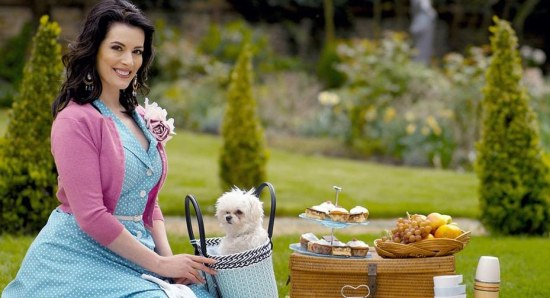 Nigella Lawson with her perfect pic-nic