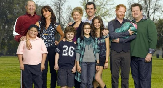 Sofia Vergara with the Modern Family cast