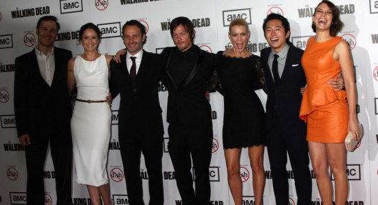Steven Yeun and Lauren Cohan talk The Walking Dead season 4Lauren Cohan And Steven Yeun Holding Hands