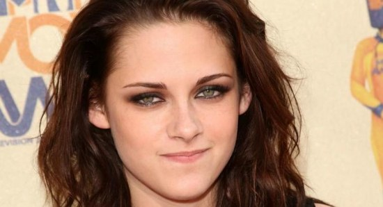 Kristen Stewart at the MTV Movie Awards for Twilight