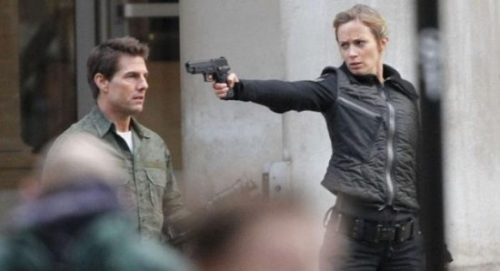 Tom Cruise and Emily Blunt on movie set