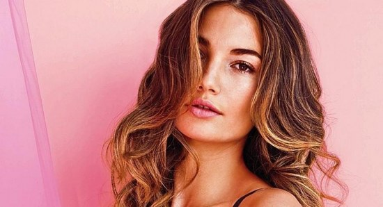 Lily Aldridge will spend the day with her family
