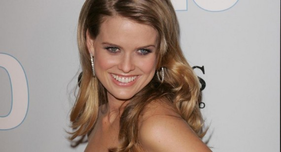 Alice Eve reveals how J.J. Abrams told her she was in Star Trek Into Darkness