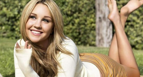 Who is Hotter Emma Roberts or Amanda Bynes?