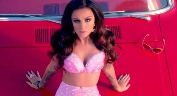 Cher Lloyd impresses with new blue hair