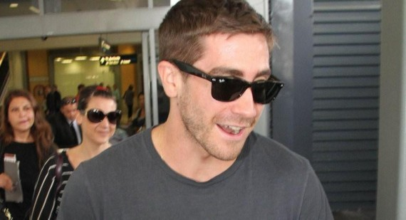 Why is Jake Gyllenhaal not in Perth for Heaths funeral?