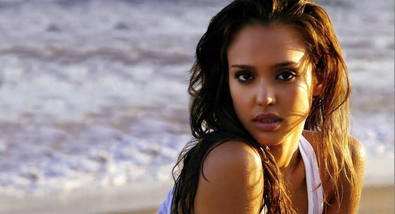 Who is hotter Jessica Alba or Scarlett Johansson?