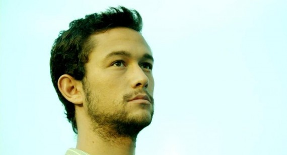 Joseph Gordon-Levitt discusses friendship with Anne Hathaway and Channing Tatum