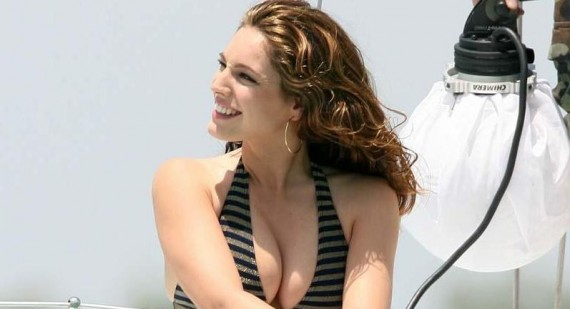 Kelly Brook photographed in bikini as she puts heartbreak behind her