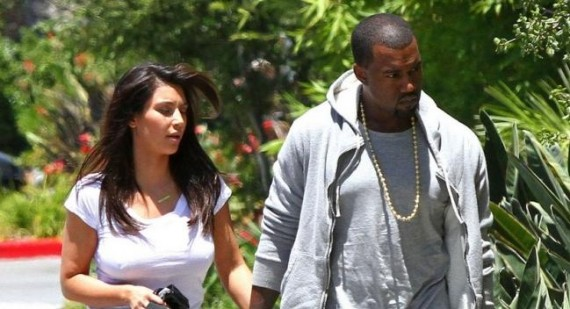Kim Kardashian: comfort over style as she shows off baby bump