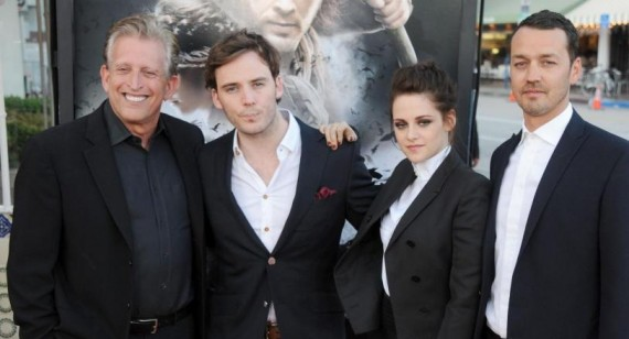 What did the twilight crew get Kristen Stewart for her 18th birthday?