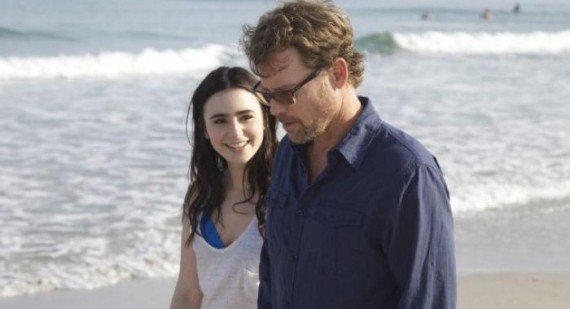 Lily Collins, Kristen Bell and Greg Kinnear in new Stuck in Love trailer