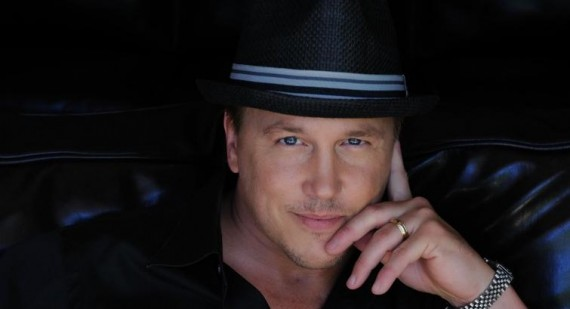 lochlyn munro actor