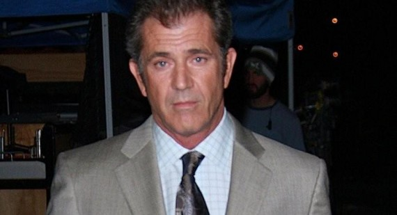 Why did Mel Gibson speak in Mayan at the Oscar´s?