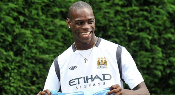 Official: Manchester City agree to sell Mario Balotelli