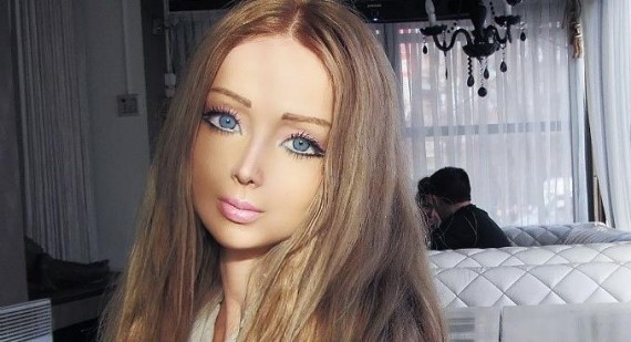 Real life Barbie Dolls Valeria Lukyanova and Olga Oleynik heading to America
