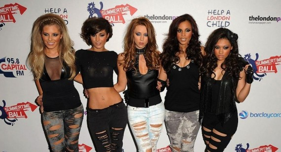 Who is supporting The Saturdays on there 09 tour?