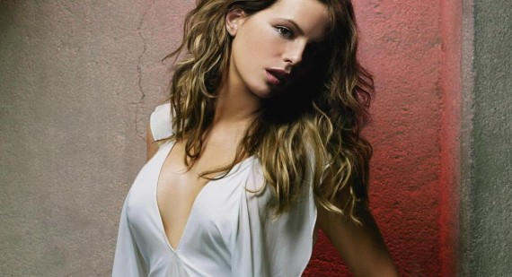 Who did Kate Beckinsale get pregnant with in the movie Pearl Harbor?