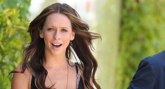 Jennifer Love Hewitt's fiance charged with battery | News | Fans Share