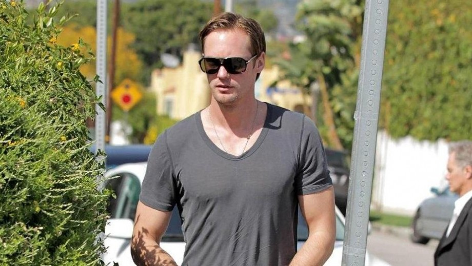 Alexander Skarsgård 'living' in gym to prepare for Tarzan role