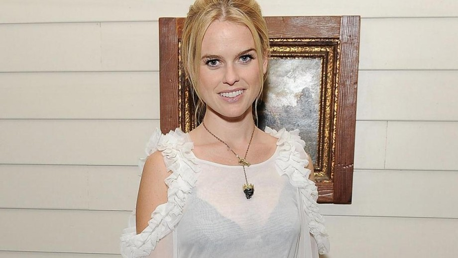 Alice Eve reveals how she copes with the critics
