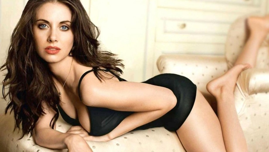 Alison brie preparing for release of new movie how to be single alison brie preparing for release of new movie how to be single ccuart Choice Image