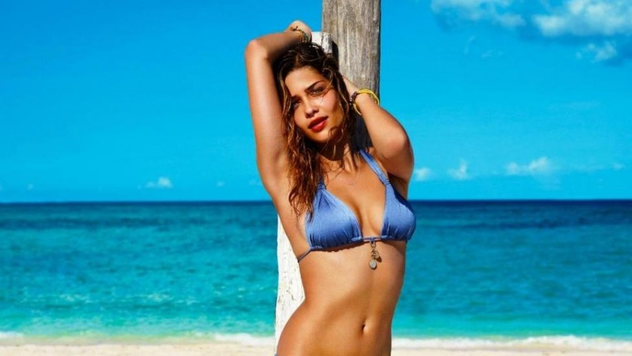 "Ana Beatriz Barros 'hot' body earns her position as ""Intimissimi"" face"