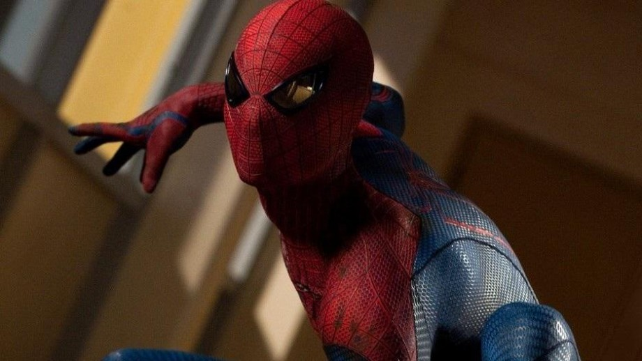 Andrew Garfield discusses his Spider-Man costume in The Amazing Spider-Man 2