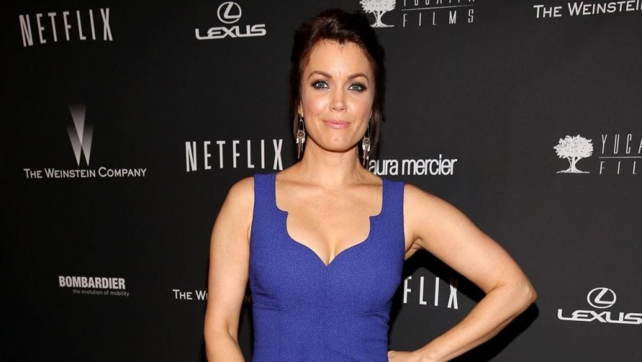 "Bellamy Young is loving the internal friction on ""Scandal"""