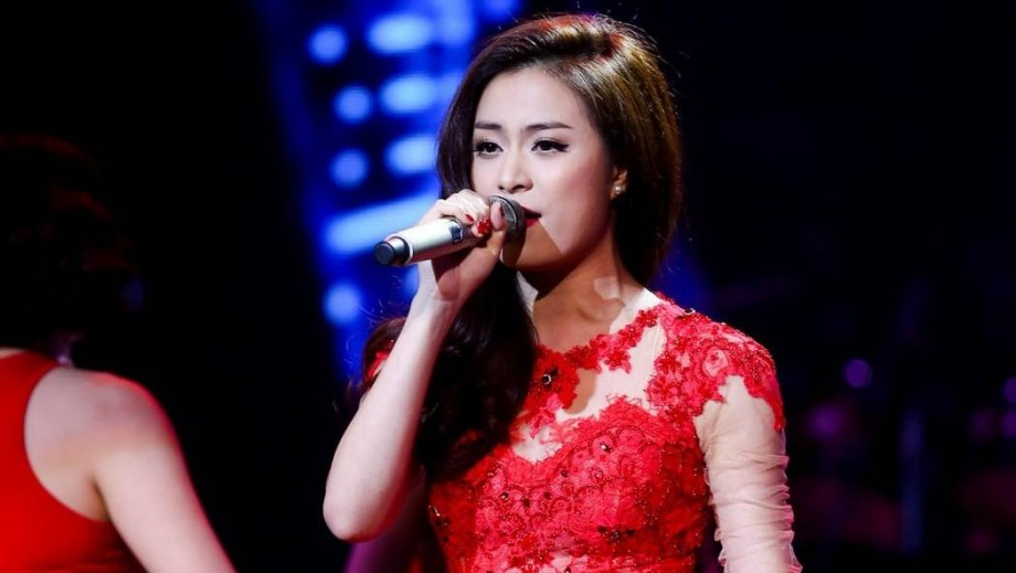 Hoang Thuy Linh overcomes video scandal to return to prominence