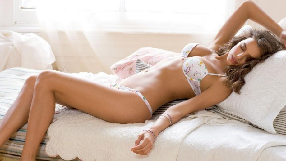 Irina Shayk puts her own career ahead of Cristiano Ronaldo‏