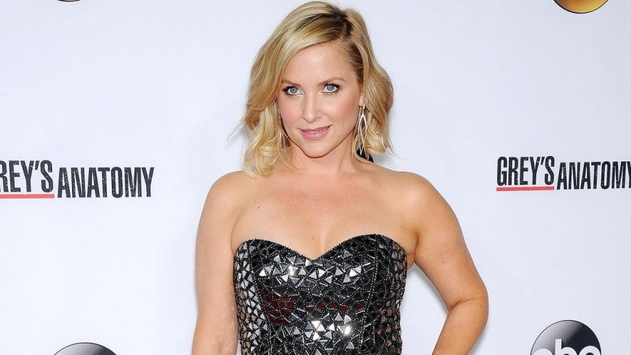Jessica Capshaw excites Grey's Anatomy fans with photo from set