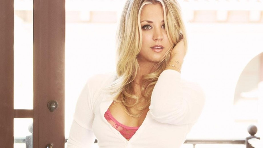 Kaley Cuoco toilet video and nude pictures among those naked celebrity pics leaked online