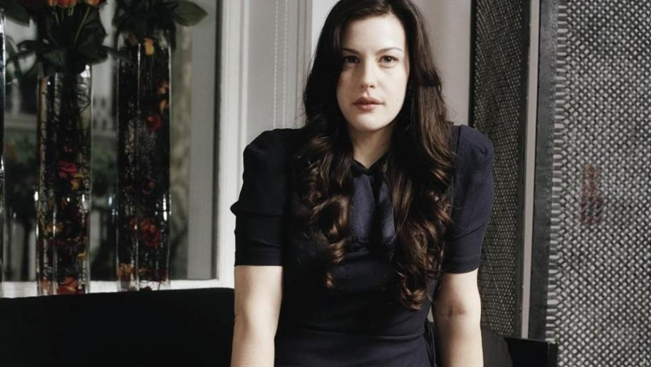 Liv Tyler attempts to chop down tree in new The Leftovers image