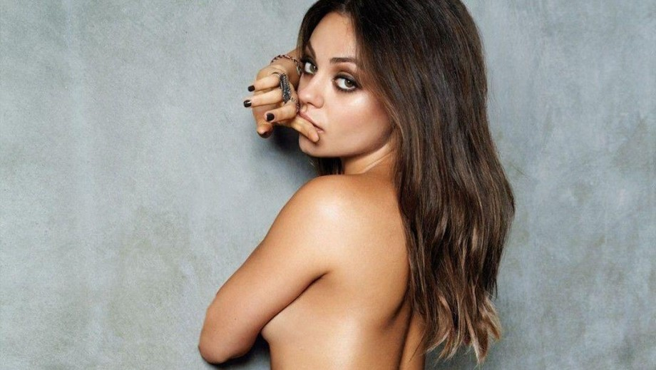 Mila Kunis boobs boosted by pregnancy