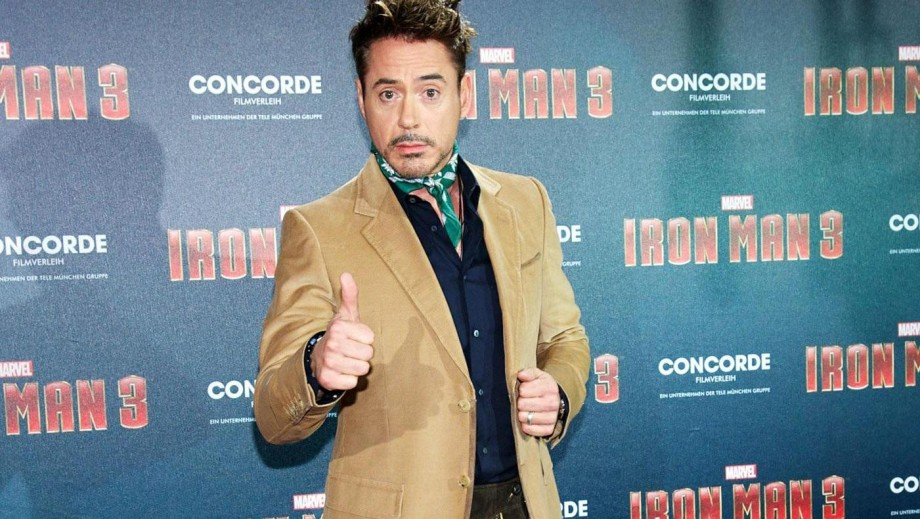 Robert Downey Jr's height gets mocked on Avengers: Age of Ultron set