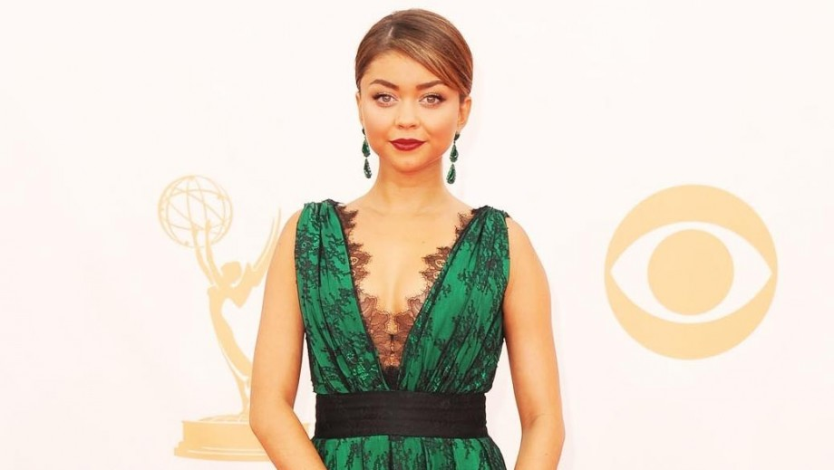 Sarah Hyland's fashion choice earns her rave reviews at Teen Choice Awards