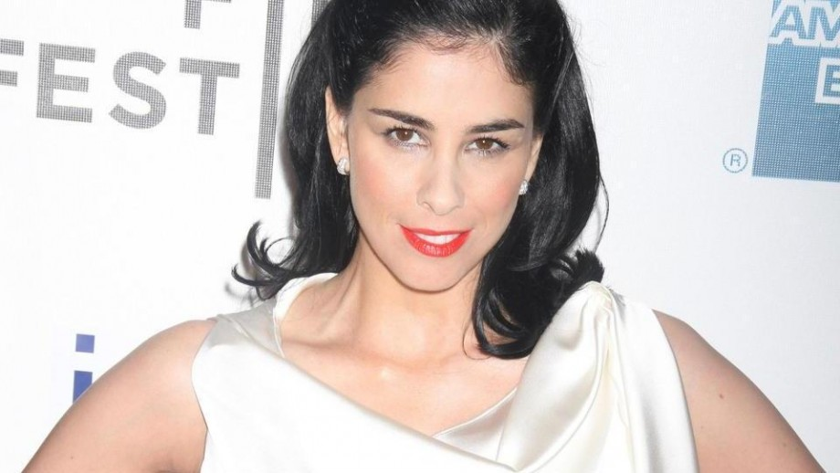Sarah Silverman reveals her e-cigarette marijuana sending the internet wild
