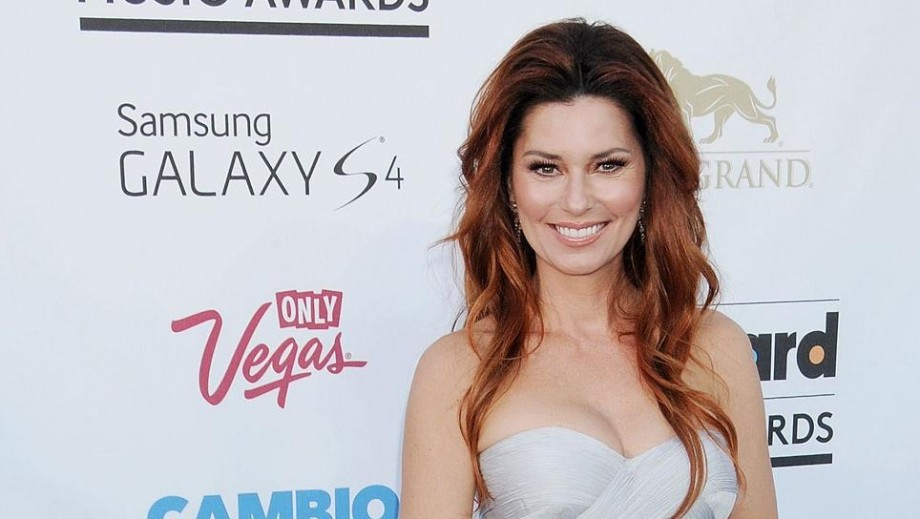 Shania Twain makes comeback as Canadian shows sell out