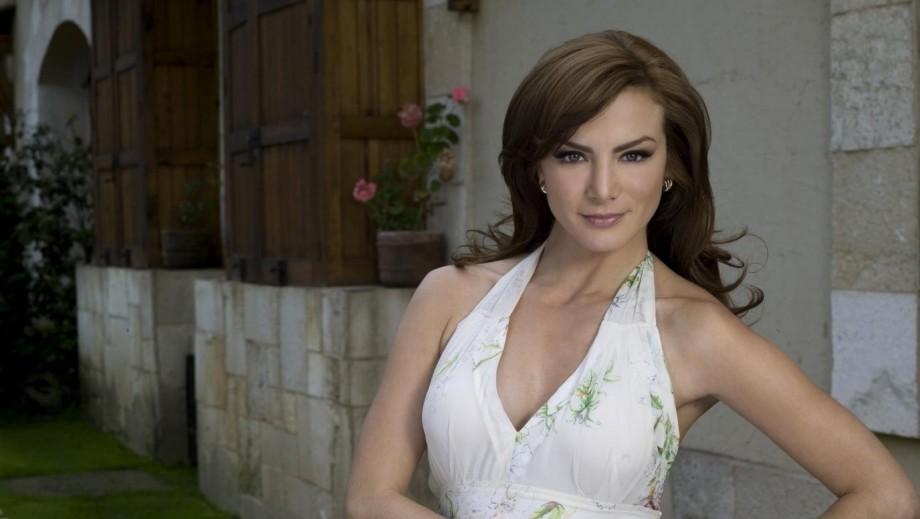 Silvia Navarro discusses challenge of playing nanny & exotic dancer