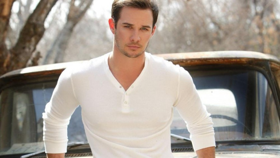 ryan merriman pretty little liars
