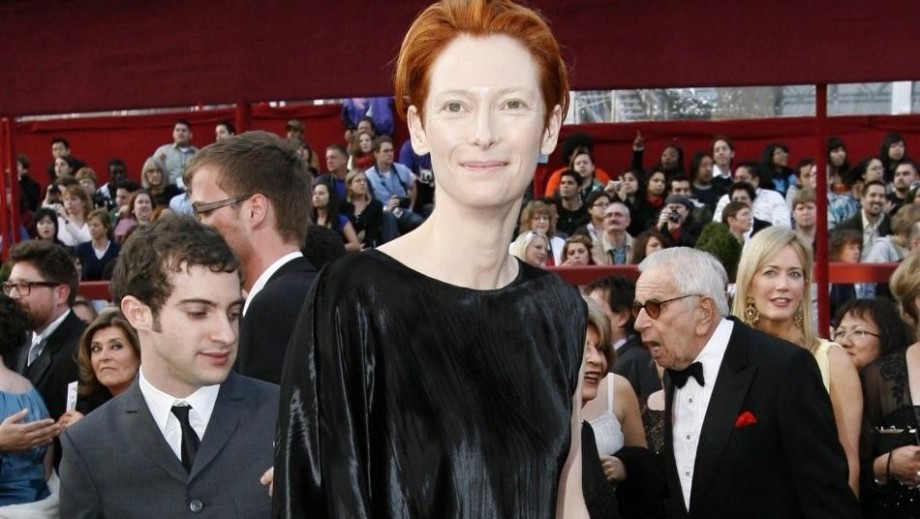 Tilda Swinton says she does not know how to be an actress