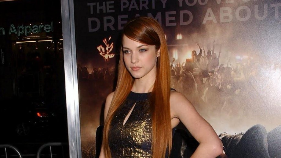 Will Alexis Knapp be Hollywood's surprise actress in 2014?