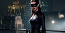 Anne Hathaway heats up NYC streets filming