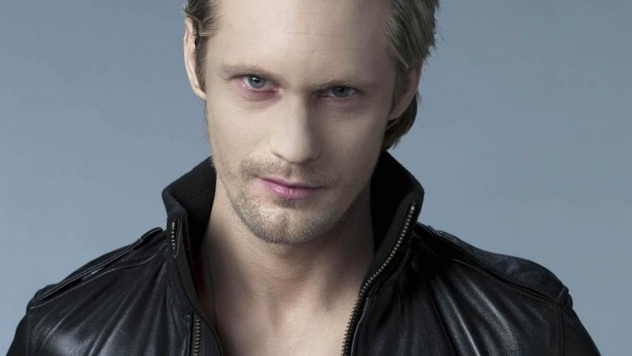 Alexander Skarsgard 'recharges' by disconnecting from society