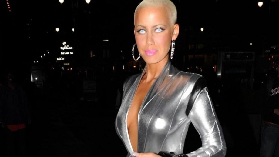 Amber Rose wedding pics provide answer to rocky marriage rumours